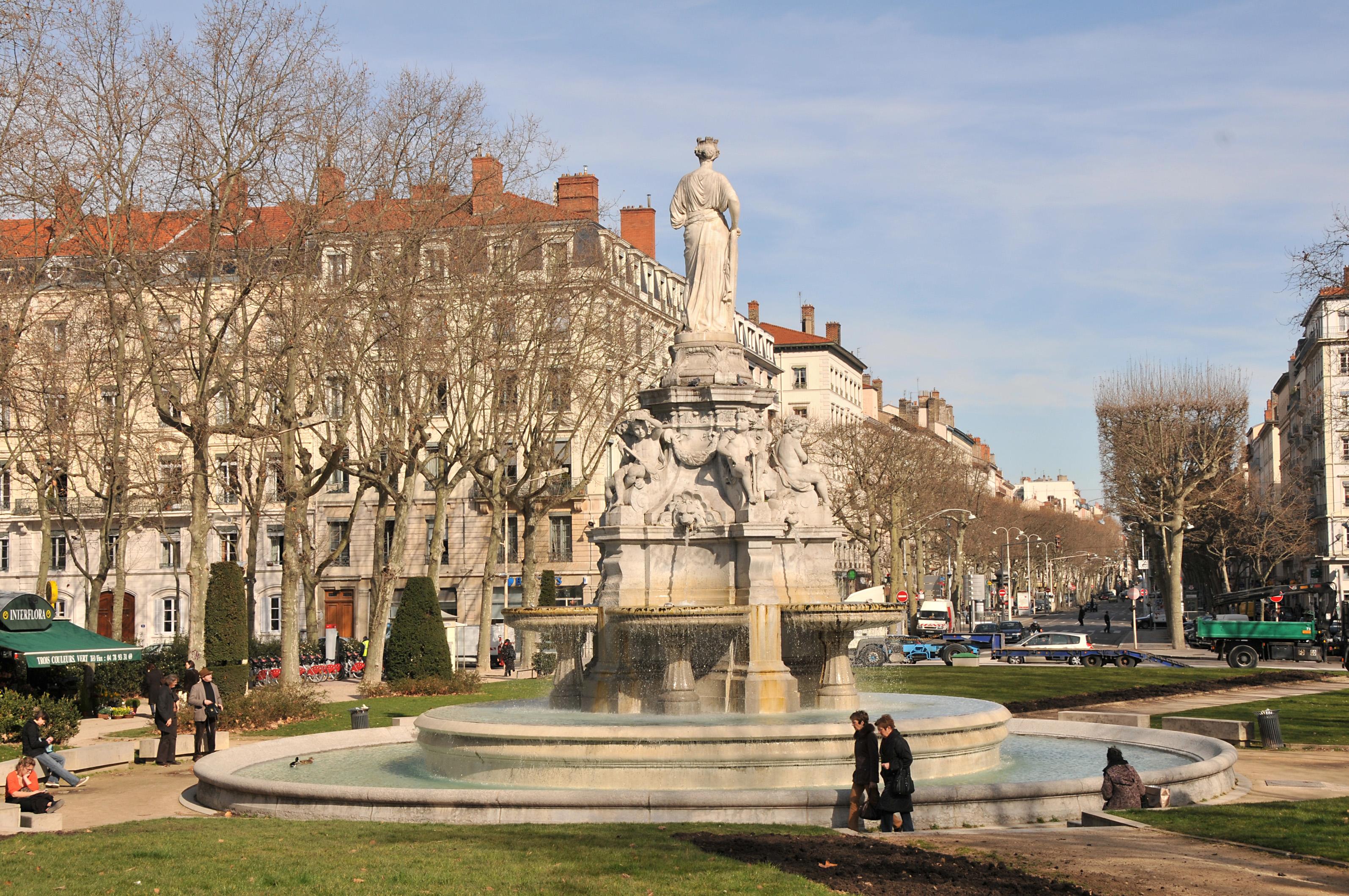 Parcours les places de la ville ordinaire rive gauche for Agence paysage lyon